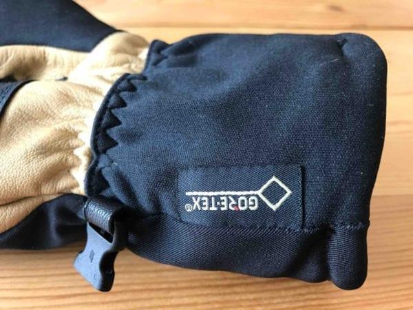 GORE-TEX Membrane in Excursion Glove
